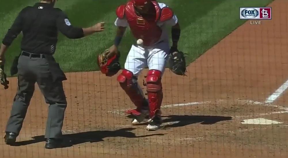 Molina sticky ball